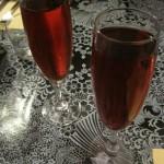 Kir vin blanc de cassis y kir tourangeau de mora