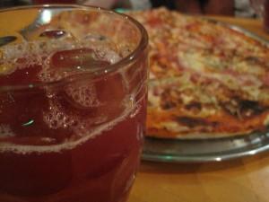 Sangría y pizza
