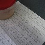 Recipiente con masa madre y receta
