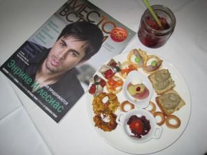 Zakuski, cóctel y revista Fishka