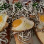 Gulas con huevo