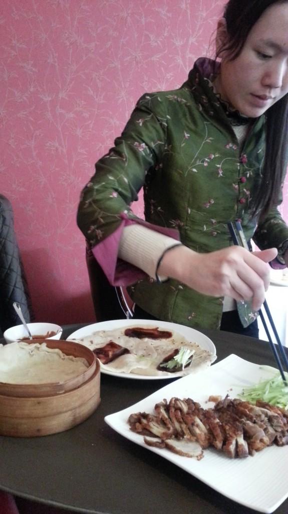 Preparación del pato a la pekinesa