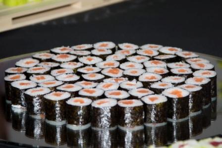 Makis de salmón. Sushimore
