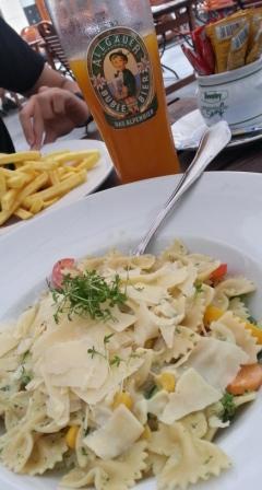 Pasta con pesto y verduras