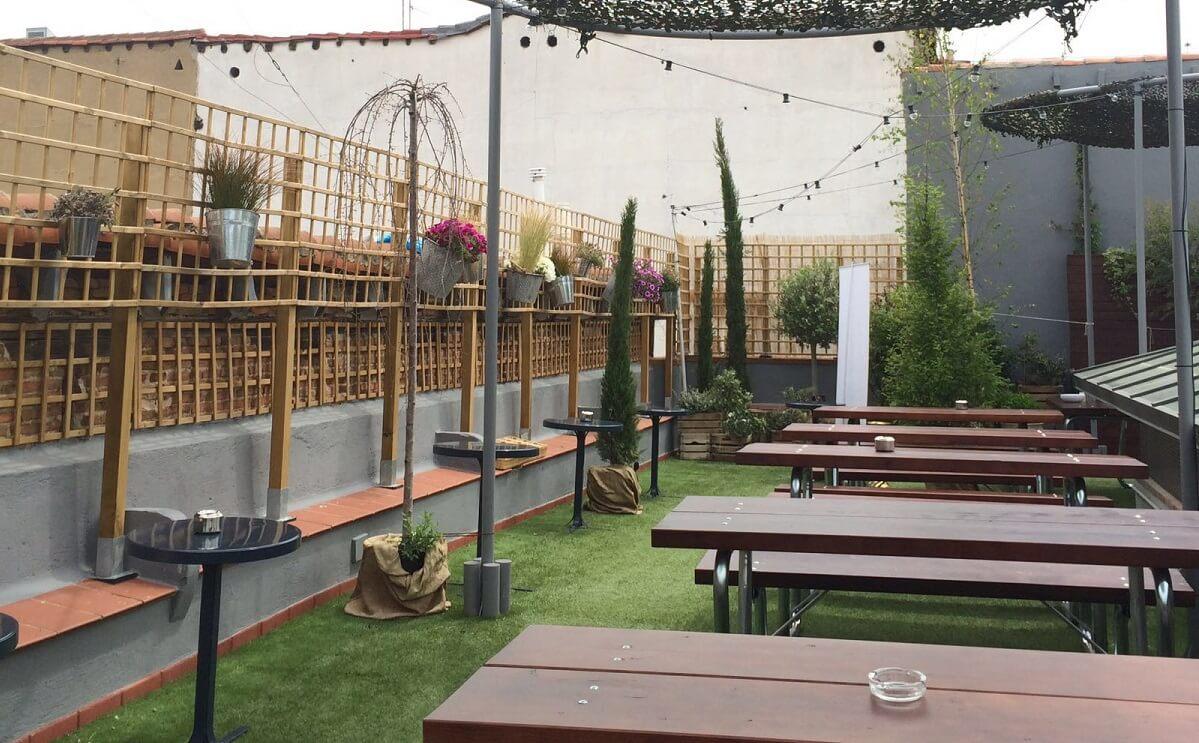 El paracaidista terraza cocteler a tienda y cine la for Cine las terrazas