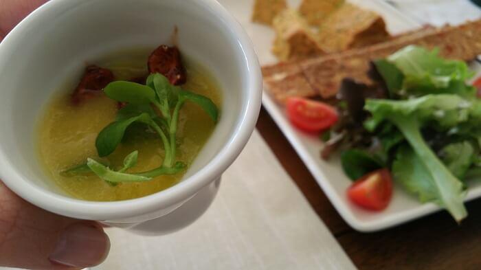 chupito-crema-calabacin-level-veggie-bistro